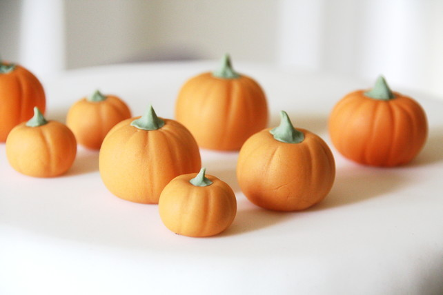 Fondant Pumpkins by Green Calligo